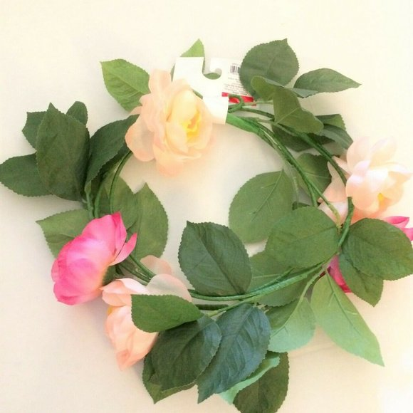 Other - 6 Foot Rose Floral Decorative Garland Home Decor